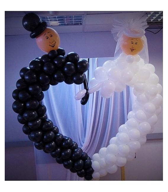 Сердце из воздушных шаров Жених и Невеста
