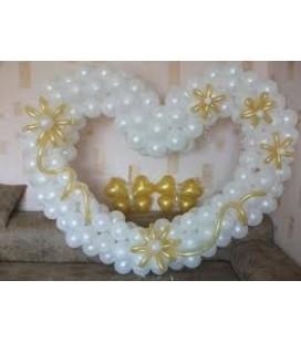 Сердце из воздушных шаров Свадебное