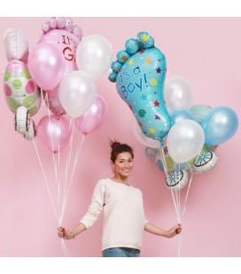 Облако из 7 шаров с коляской и ножкой малыша